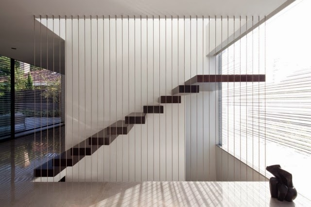 modern-staircase-design-modern-staircase-suspended-with-railing-cables