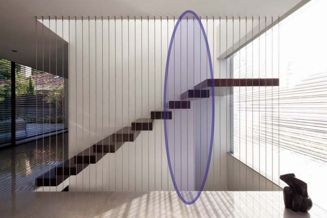 modern-staircase-suspended-with-railing-cables