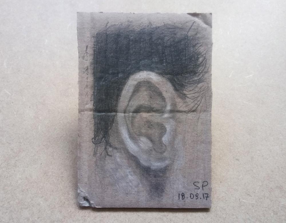 ear drawing on cartoon